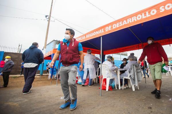 GOBIERNO REGIONAL DEL CALLAO SIGUE LUCHANDO CONTRA LA PANDEMIA EN MERCADOS DEL PRIMER PUERTO.