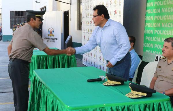 GOBIERNO REGIONAL ENTREG� INCENTIVO ECON�MICO A 60 EFECTIVOS DE LA POLIC�A NACIONAL EN EL CALLAO