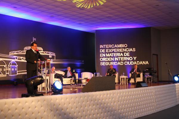 EX PRESIDENTES DE COLOMBIA Y CHILE INTERCAMBIAN EXPERIENCIAS EN MATERIA DE SEGURIDAD CIUDADANA