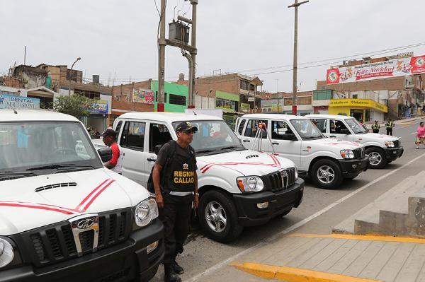 GOBIERNO REGIONAL ENTREGA 4 CAMIONETAS PARA REFORZAR LA SEGURIDAD EN EL DISTRITO DE MI PERÚ